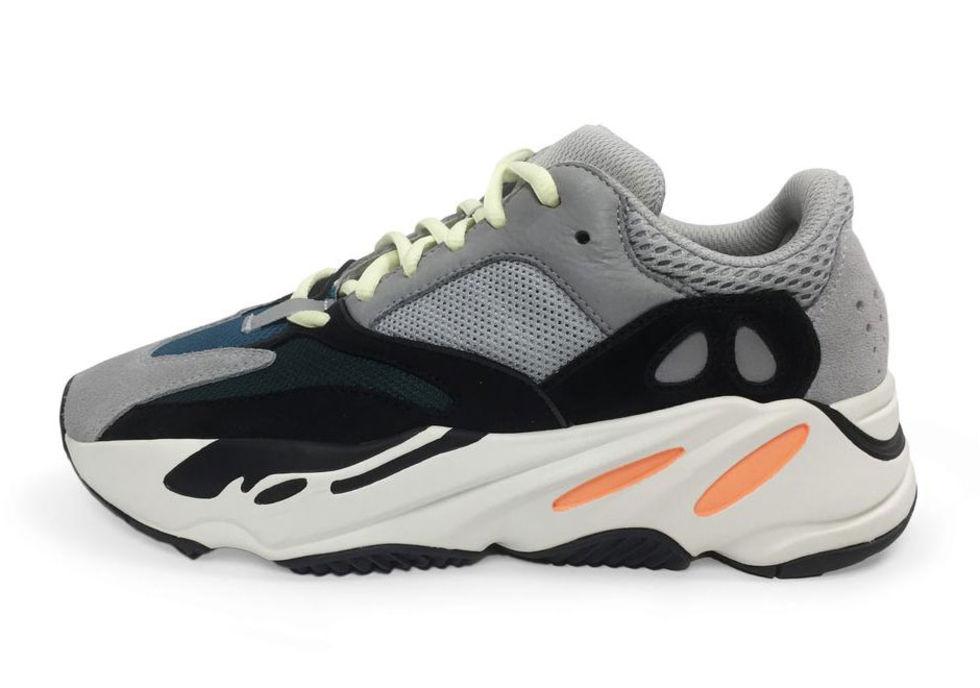 Kanye West överraskar med Adidas Yeezy Wave Runner 700