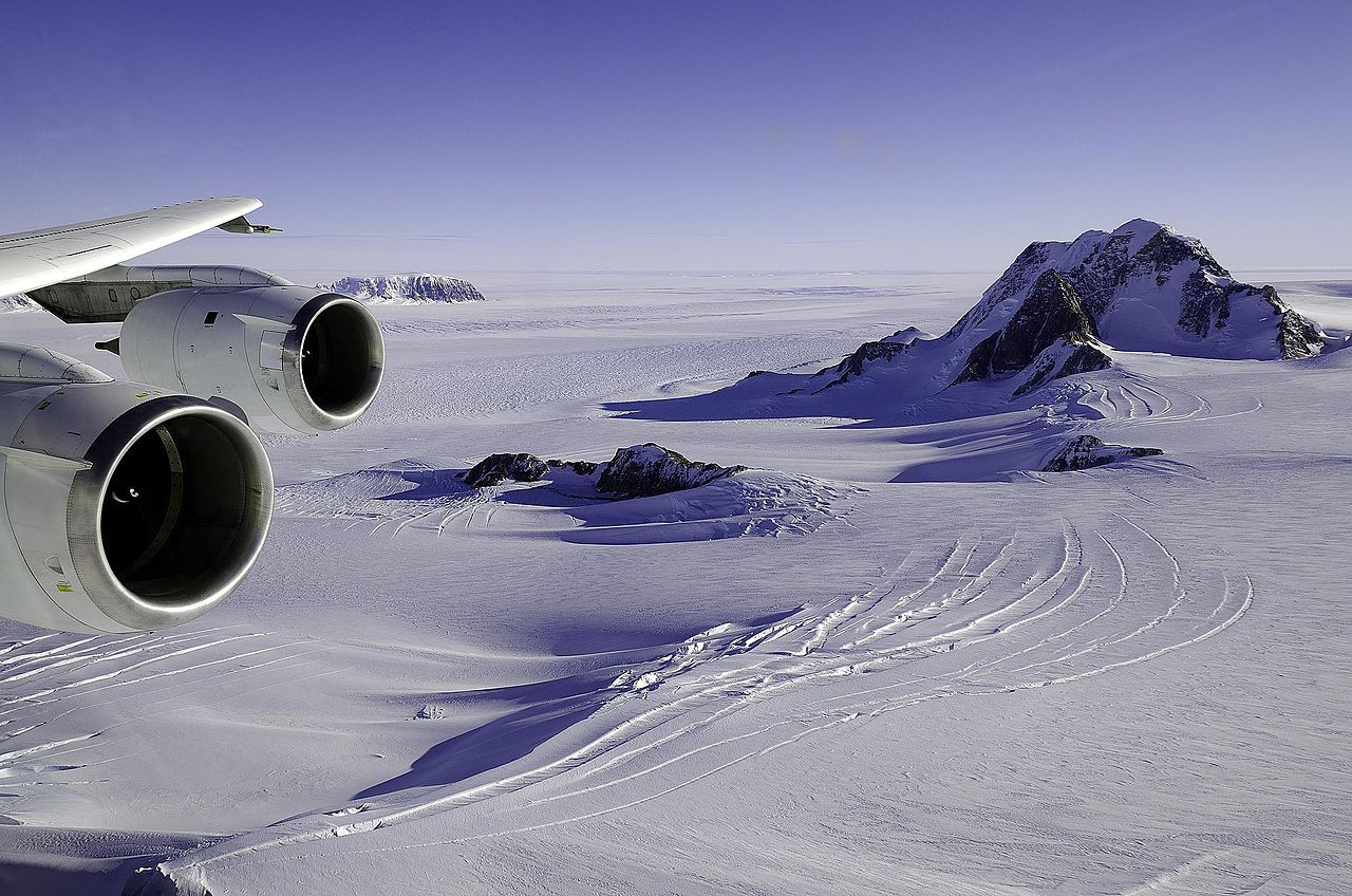 Forskare hittar tidigare okända vulkaner på Antarktis