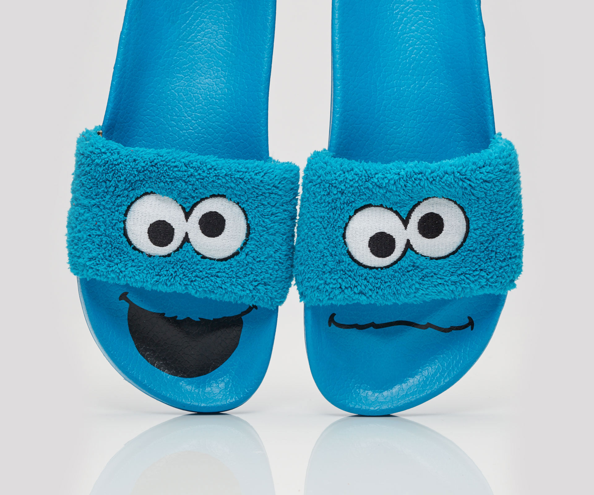 Ha kakmonstret på fötterna!