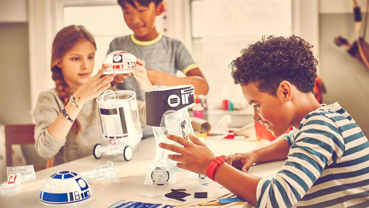 Bygg en egen R2-D2 med Droid Inventor Kit