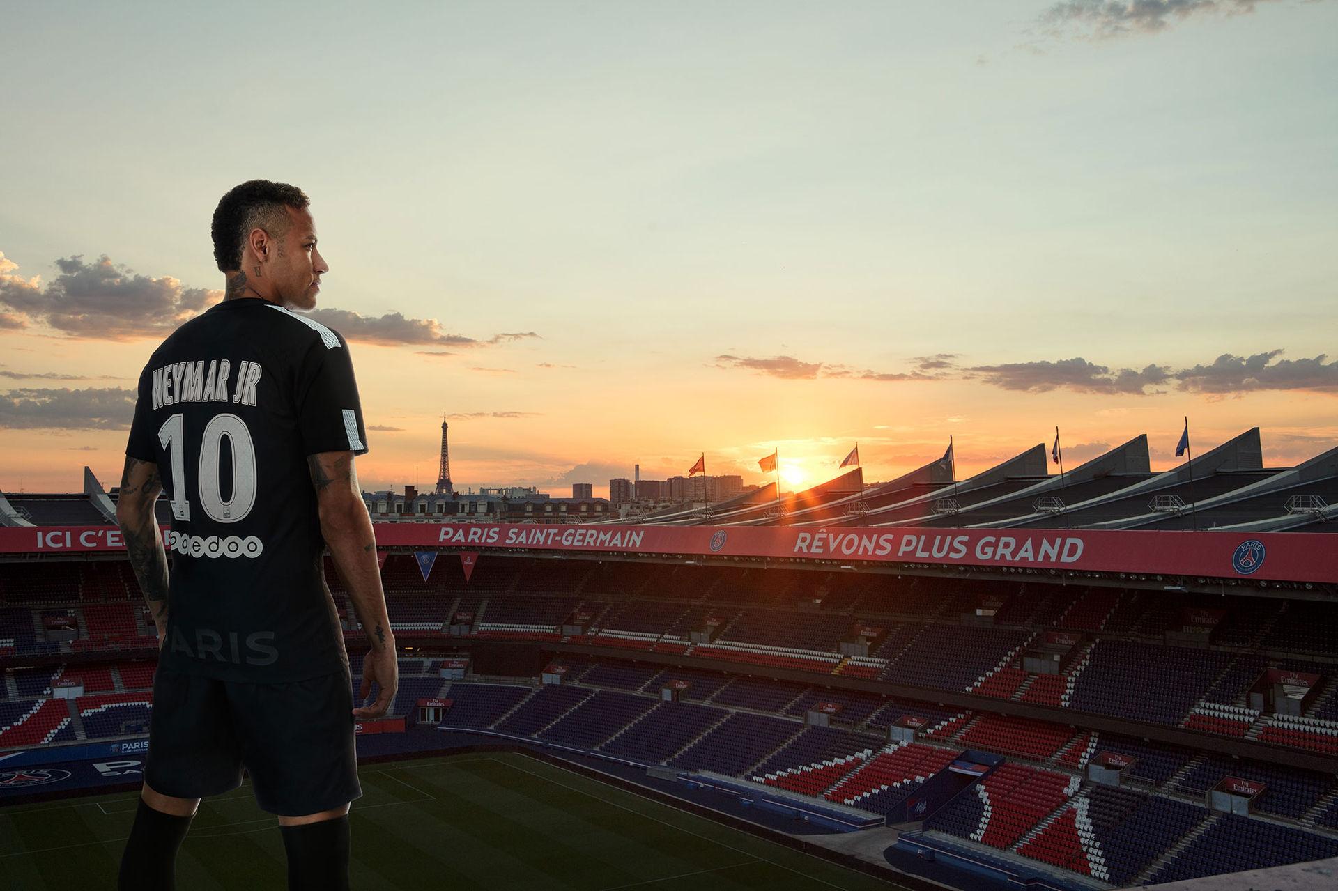 Neymar Jr visar PSGs tredjeställ