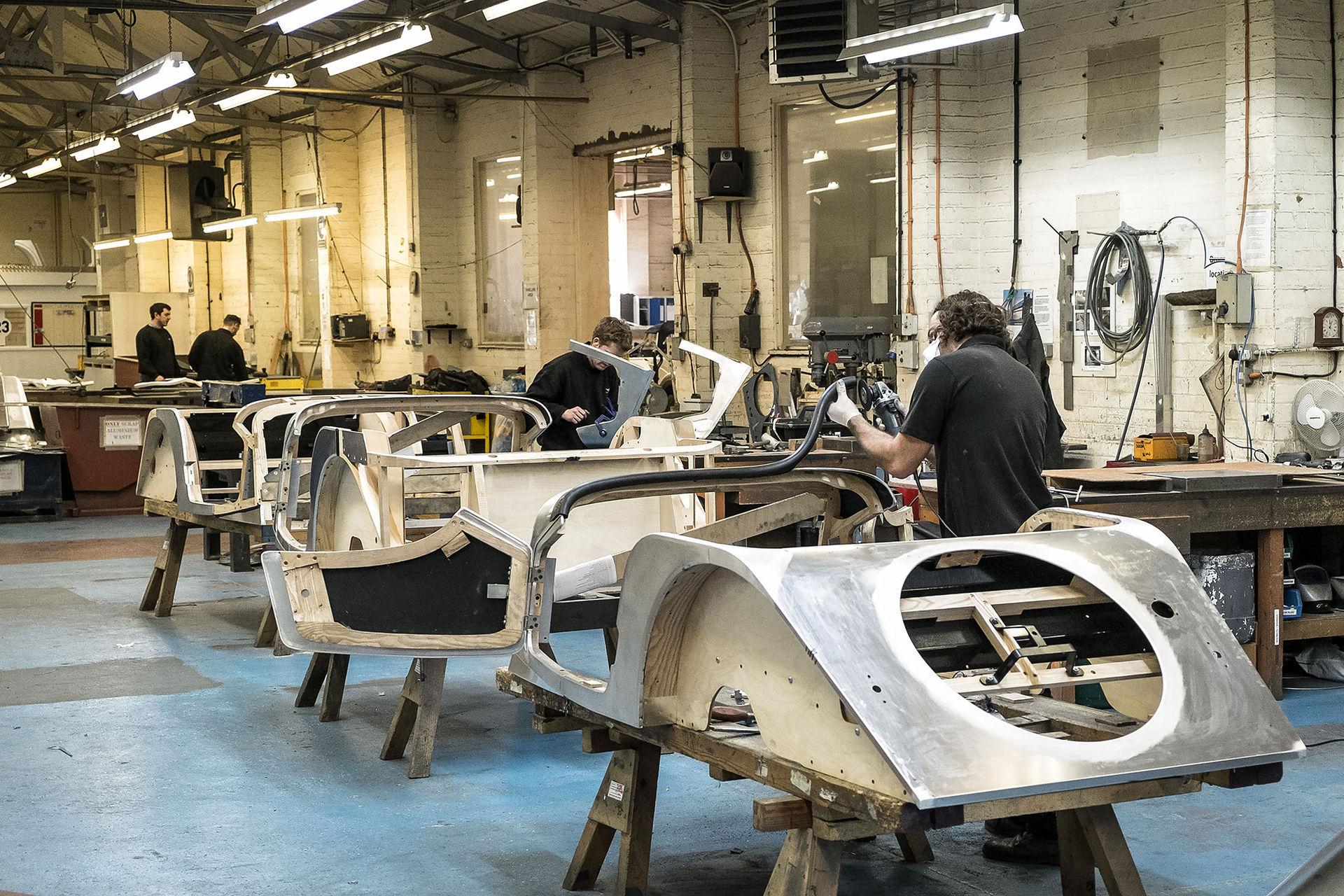 På besök i Morgans fabrik