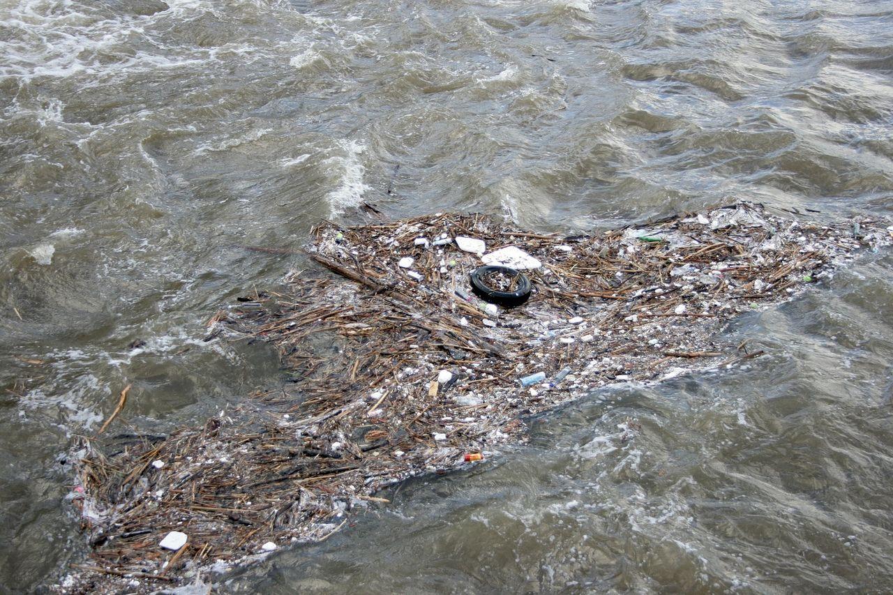 Svenska studenter ska spåra mikroplast i haven