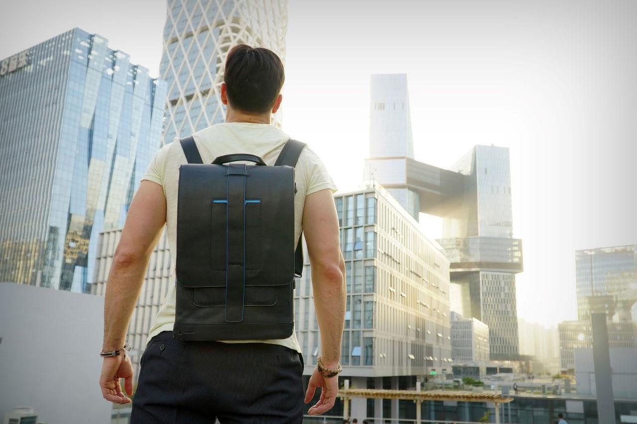 Väskan för dig med många elektroniska prylar