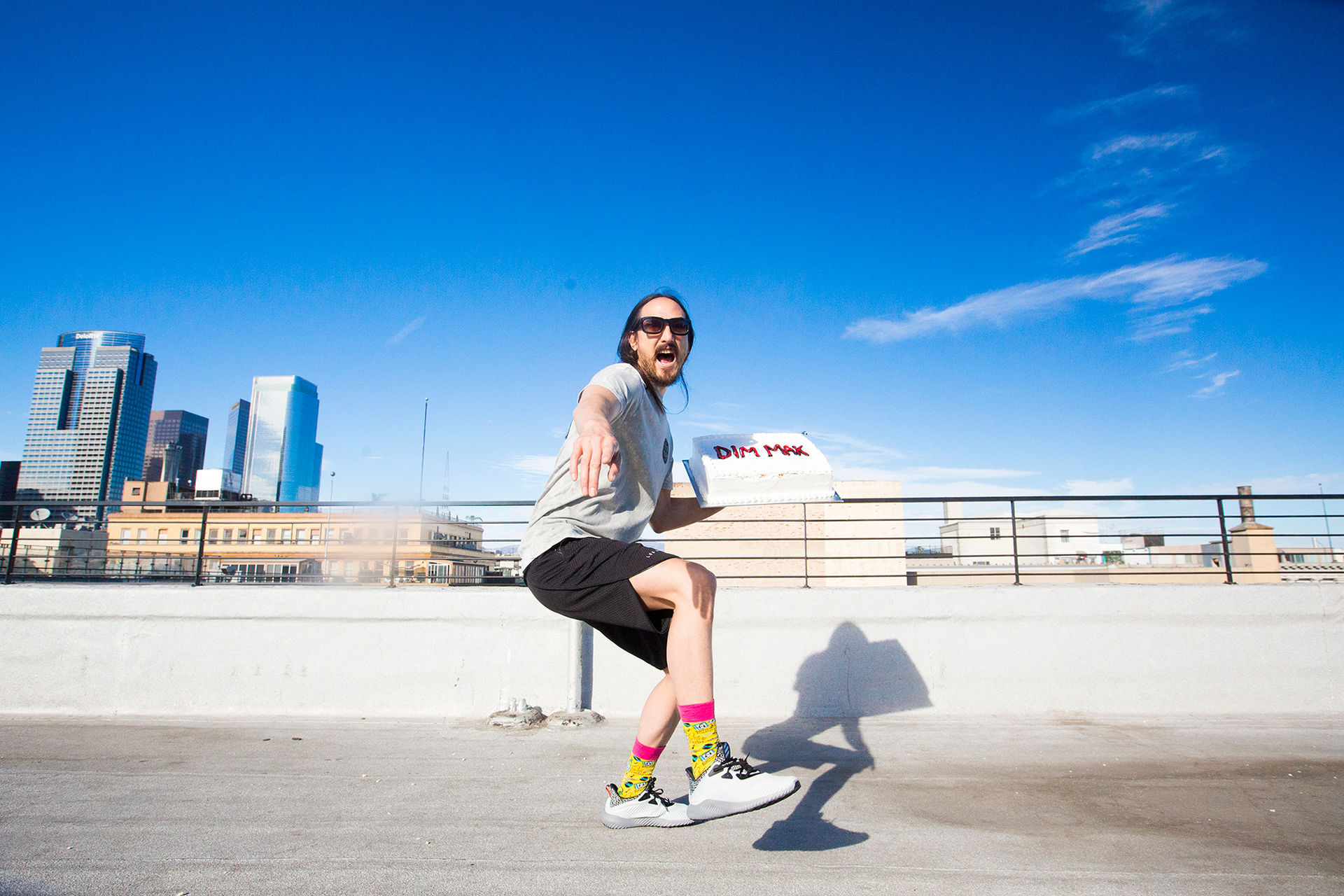 Happy Socks gör strumpor med Steve Aoki