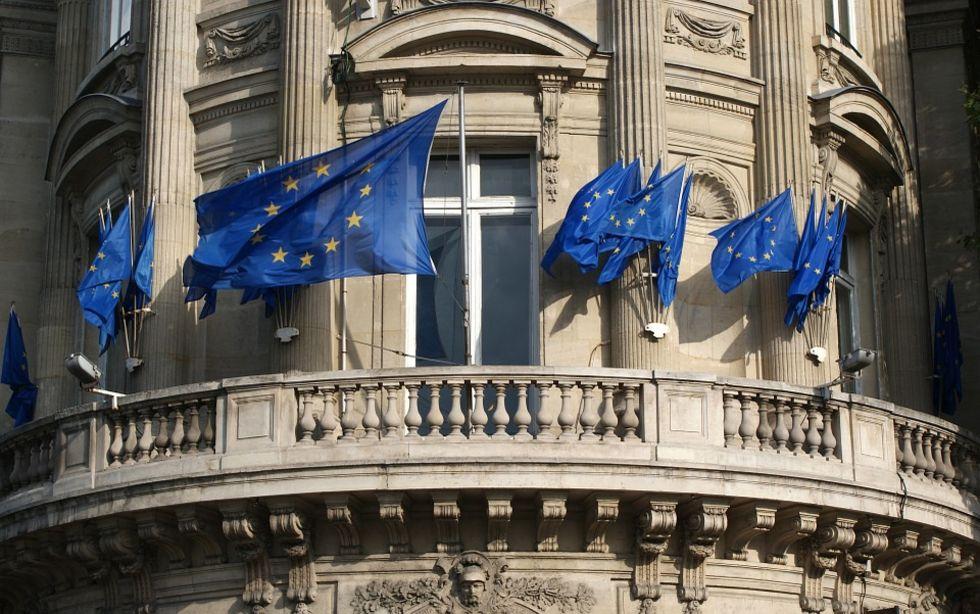 EU-länder vill att Google och Amazon betalar mer i skatt