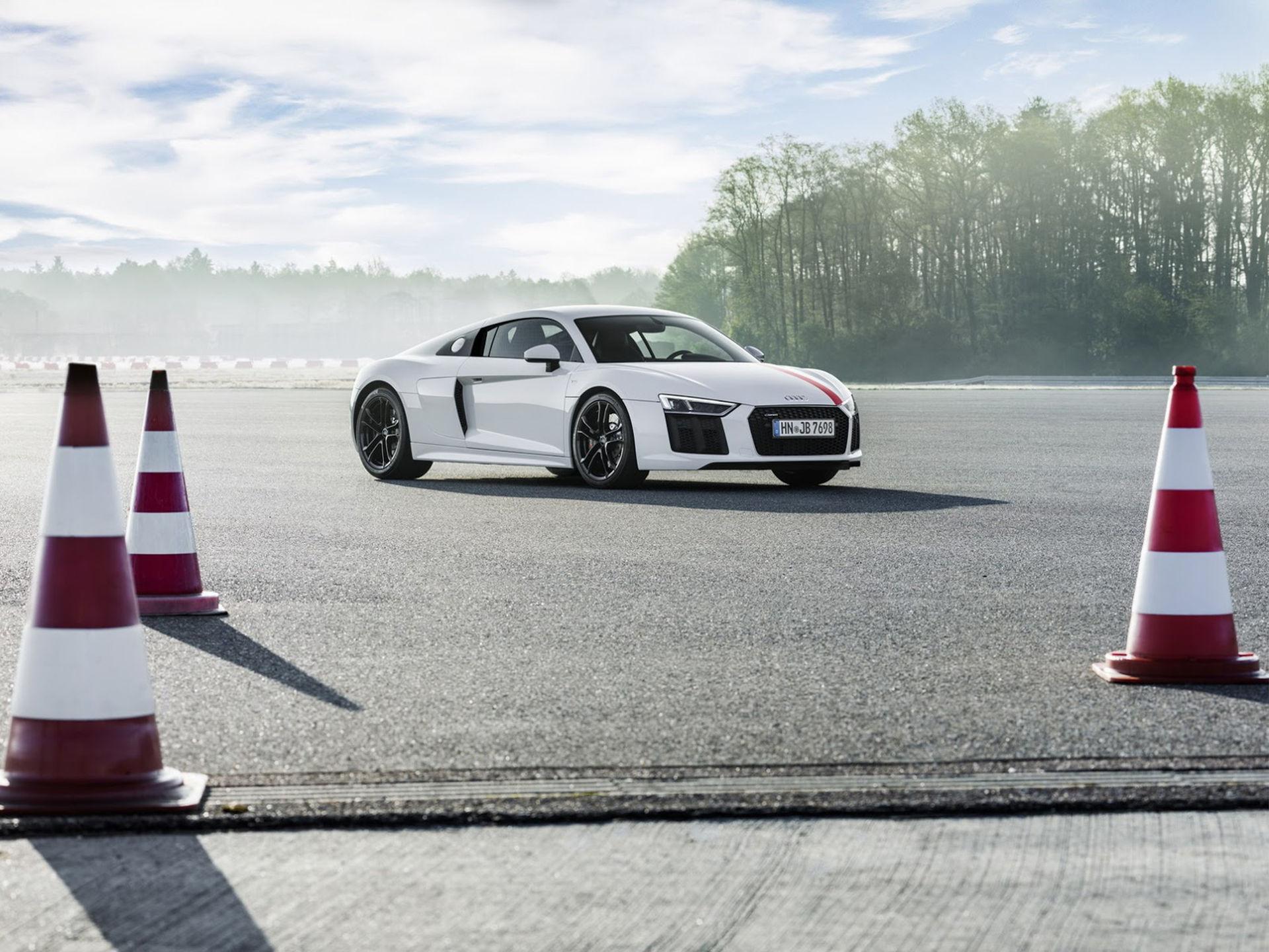 Nu finns Audi R8 med enbart bakhjulsdrift