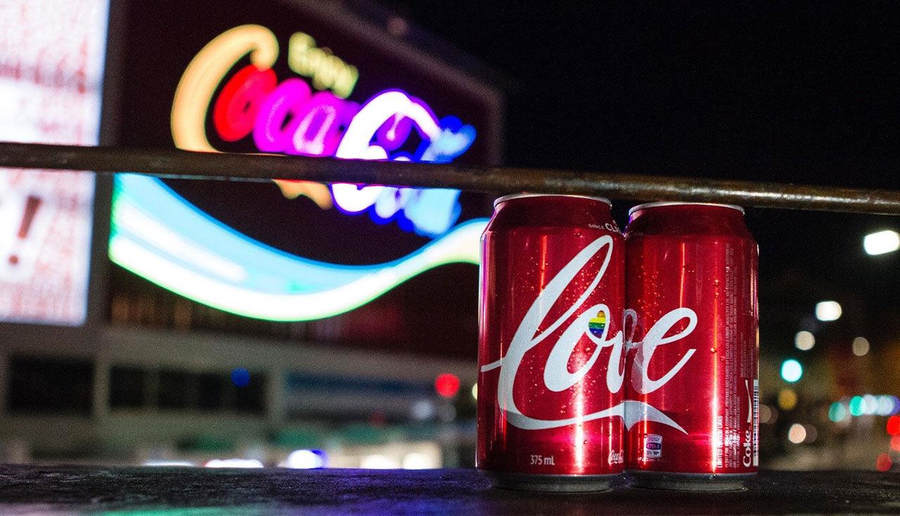 Coca-Cola kör kampanj för samkönade äktenskap