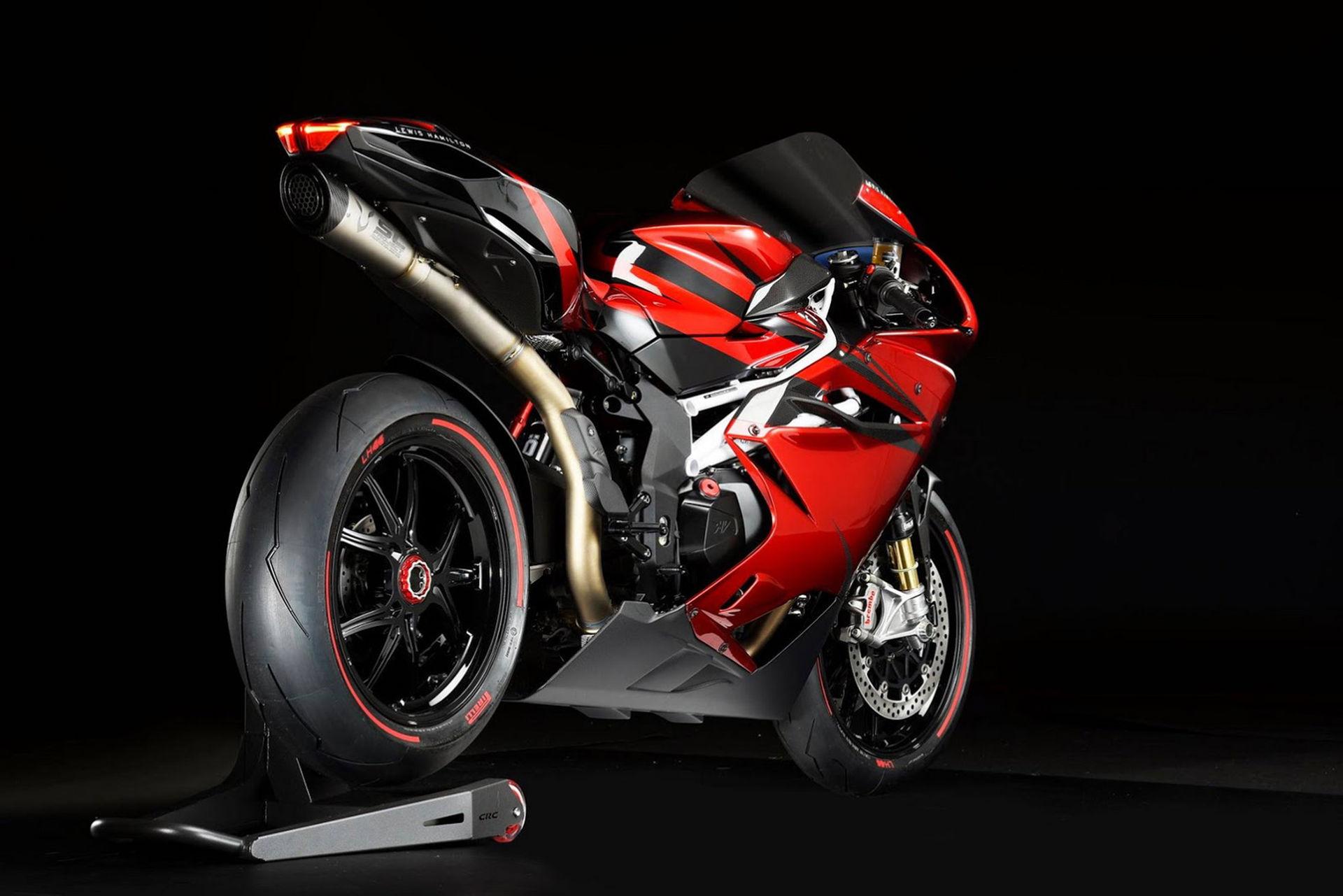 MV Agusta och Lewis Hamilton presenterar hoj