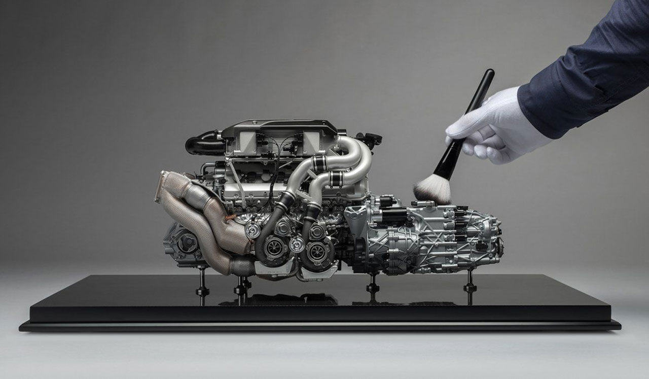 Bugatti Chirons motor i skala 1:4