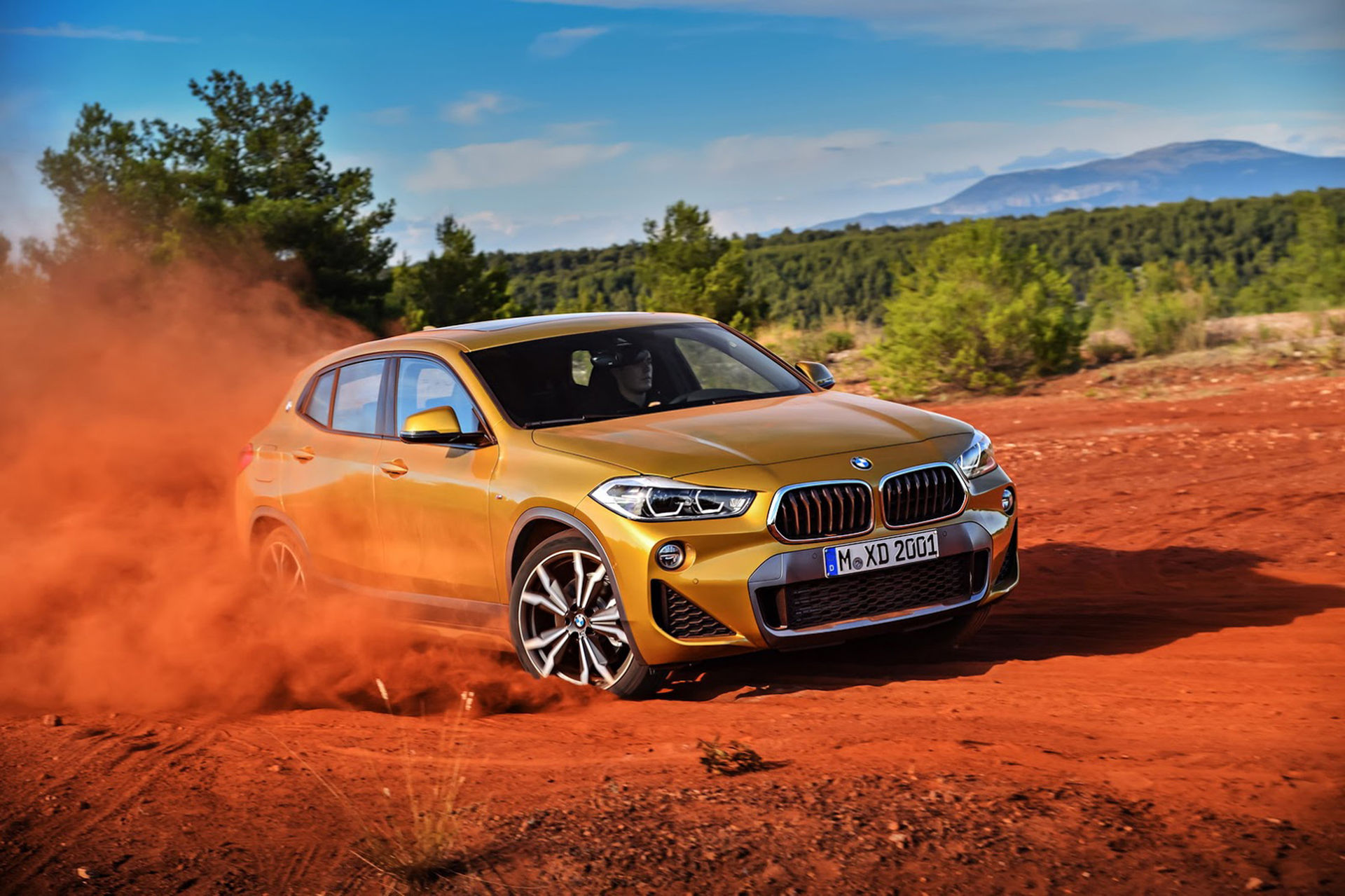 BMW X1 har fått ett syskon - här är X2