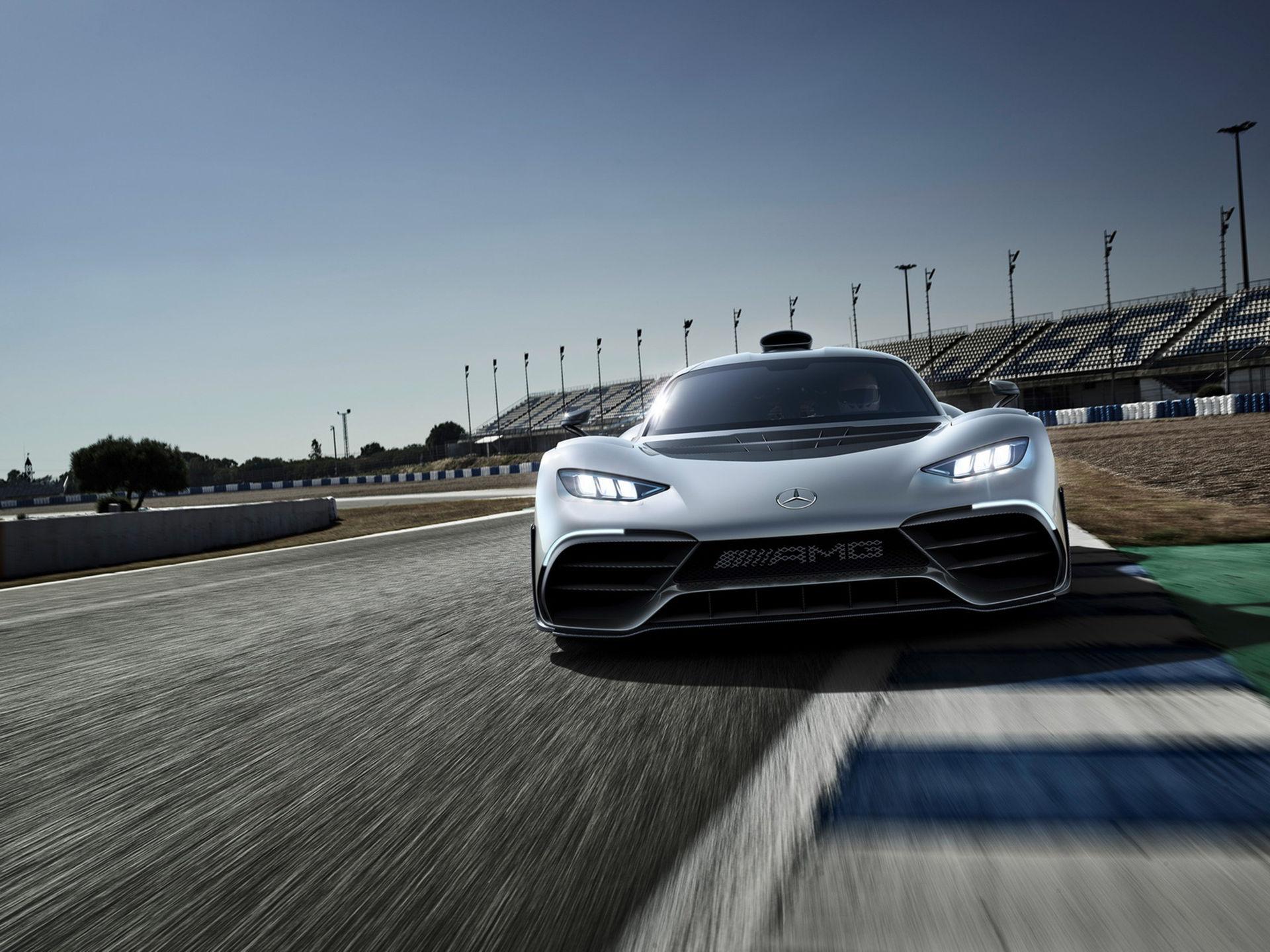 Bilfirma säljer slot för Mercedes-AMG Project One