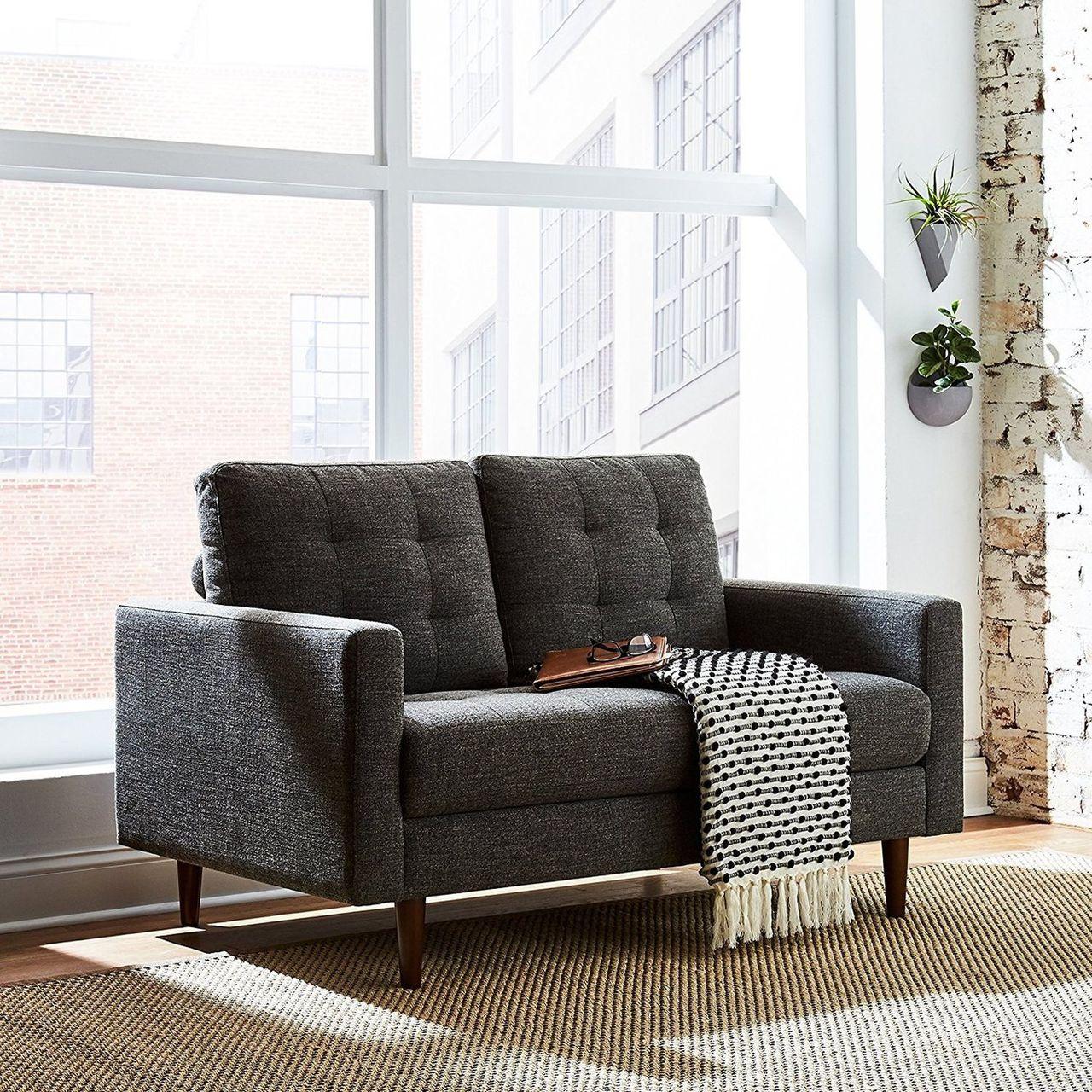 Amazon börjar sälja sina egna möbler