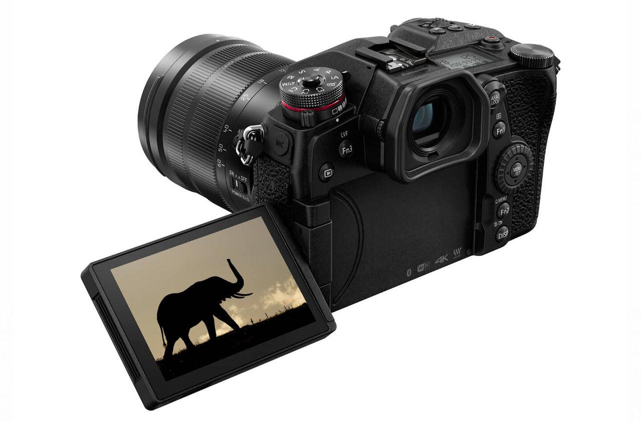 Panasonic presenterar spegellösa Lumix G9 för proffs