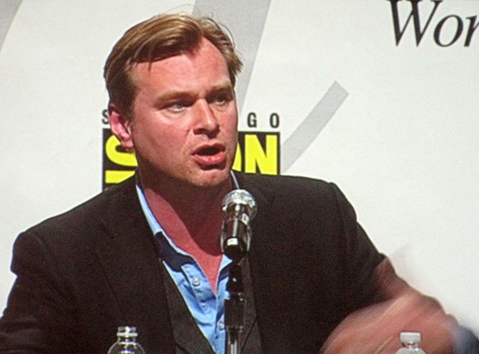 Christopher Nolan ber typ Netflix om ursäkt