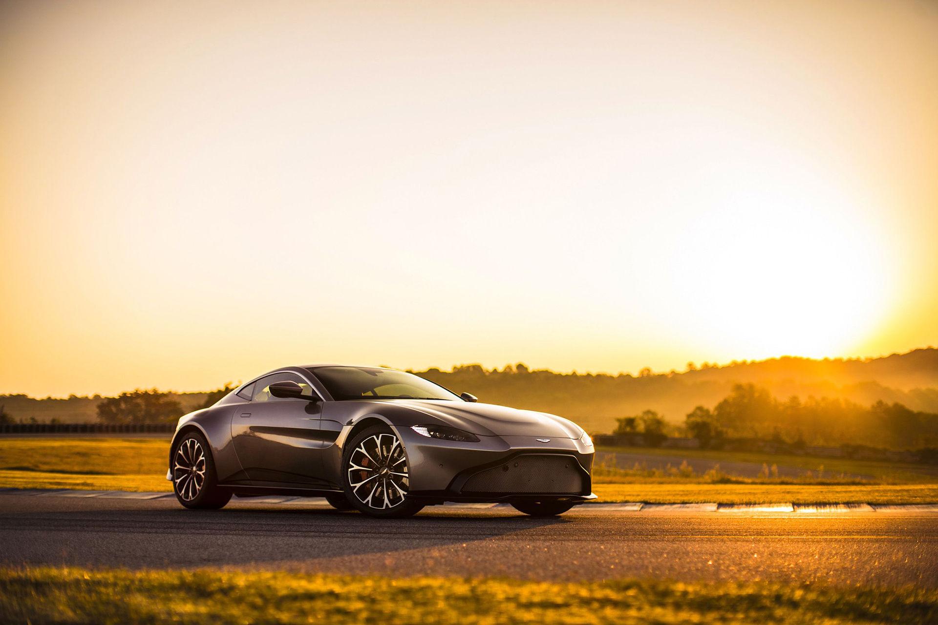 Aston Martin rullar ut helt nya Vantage