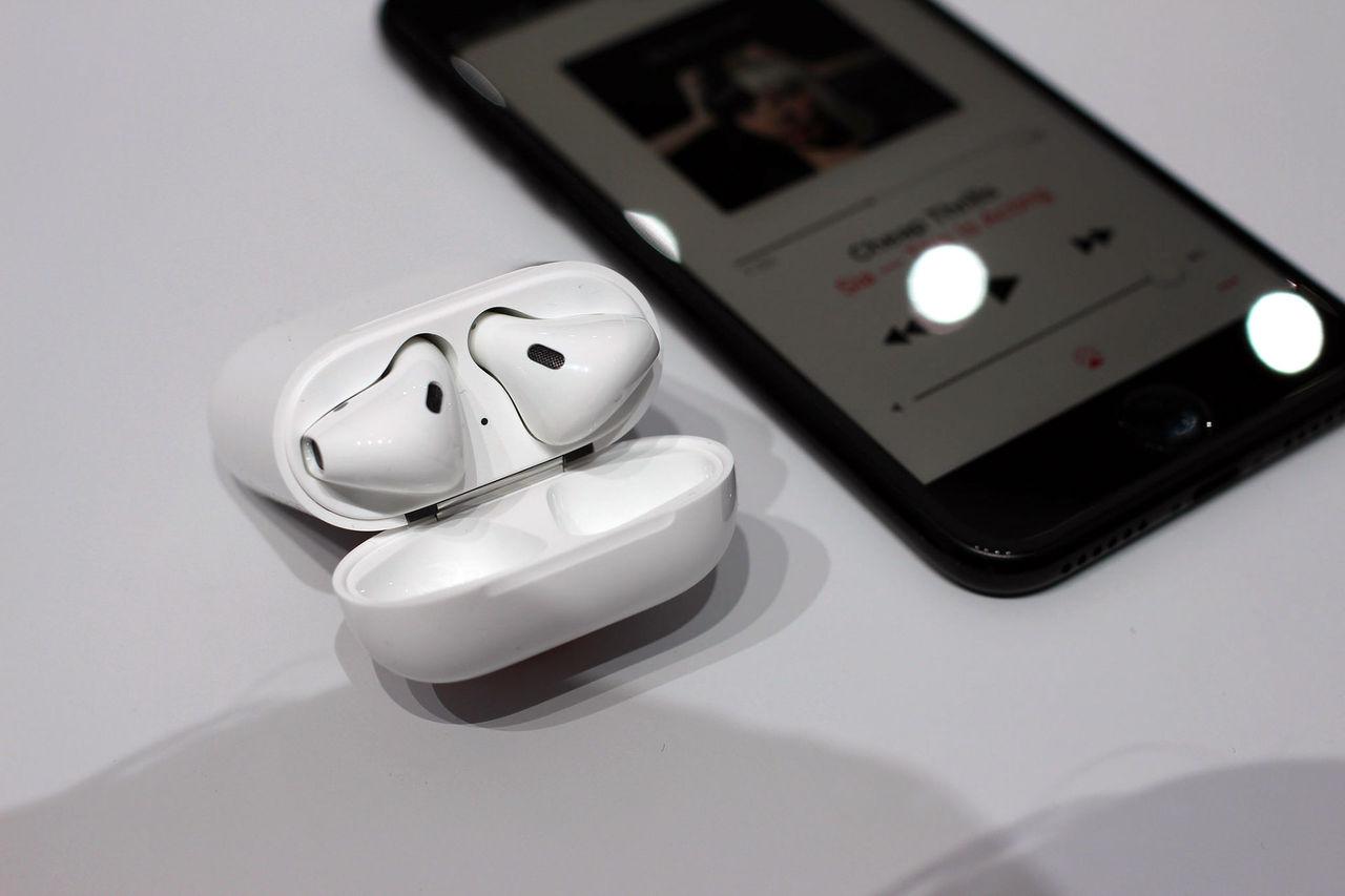 Apple väntas sälja mer än 25 miljoner AirPods näst år