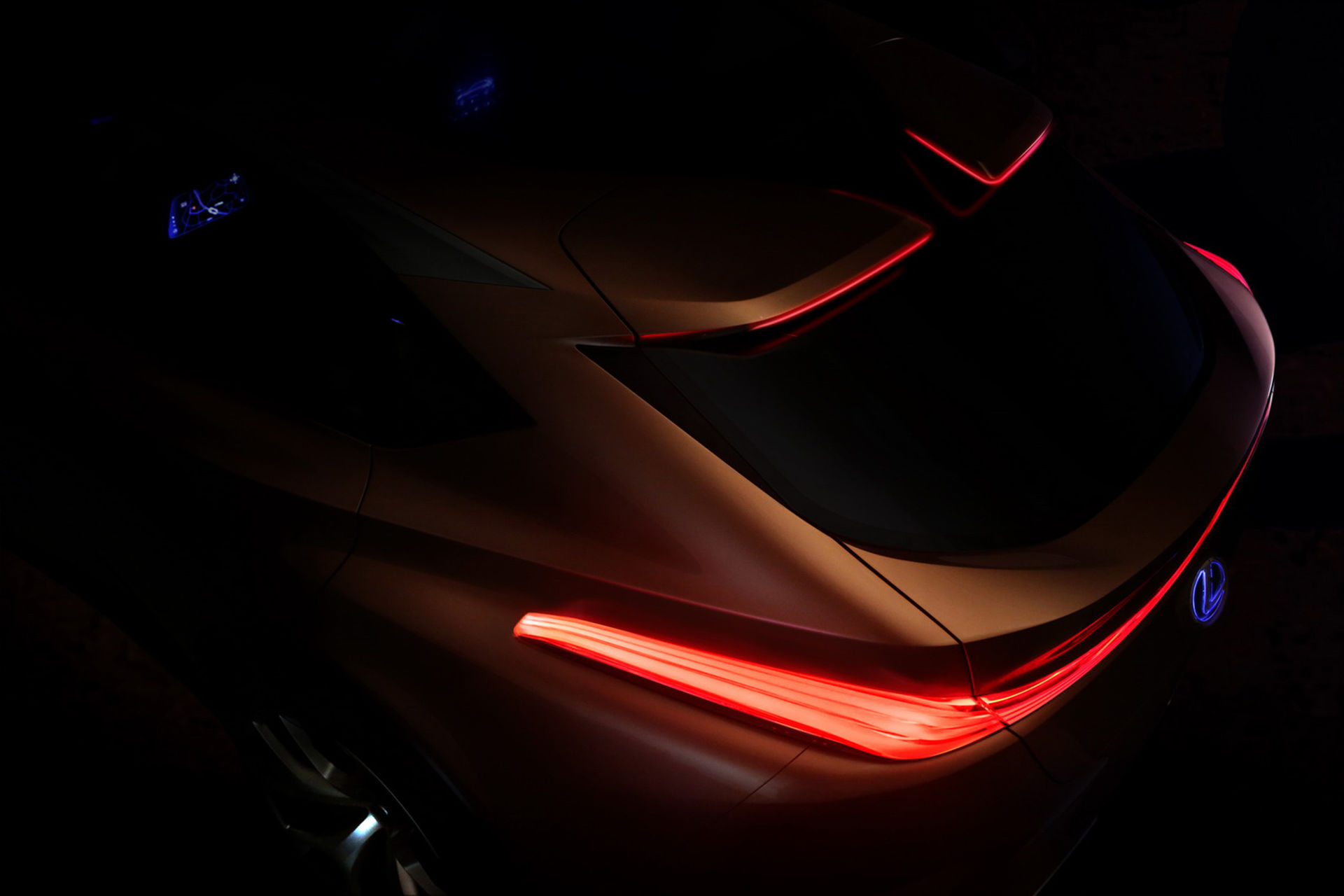 Lexus visar lite av konceptbilen LF-1 Limitless