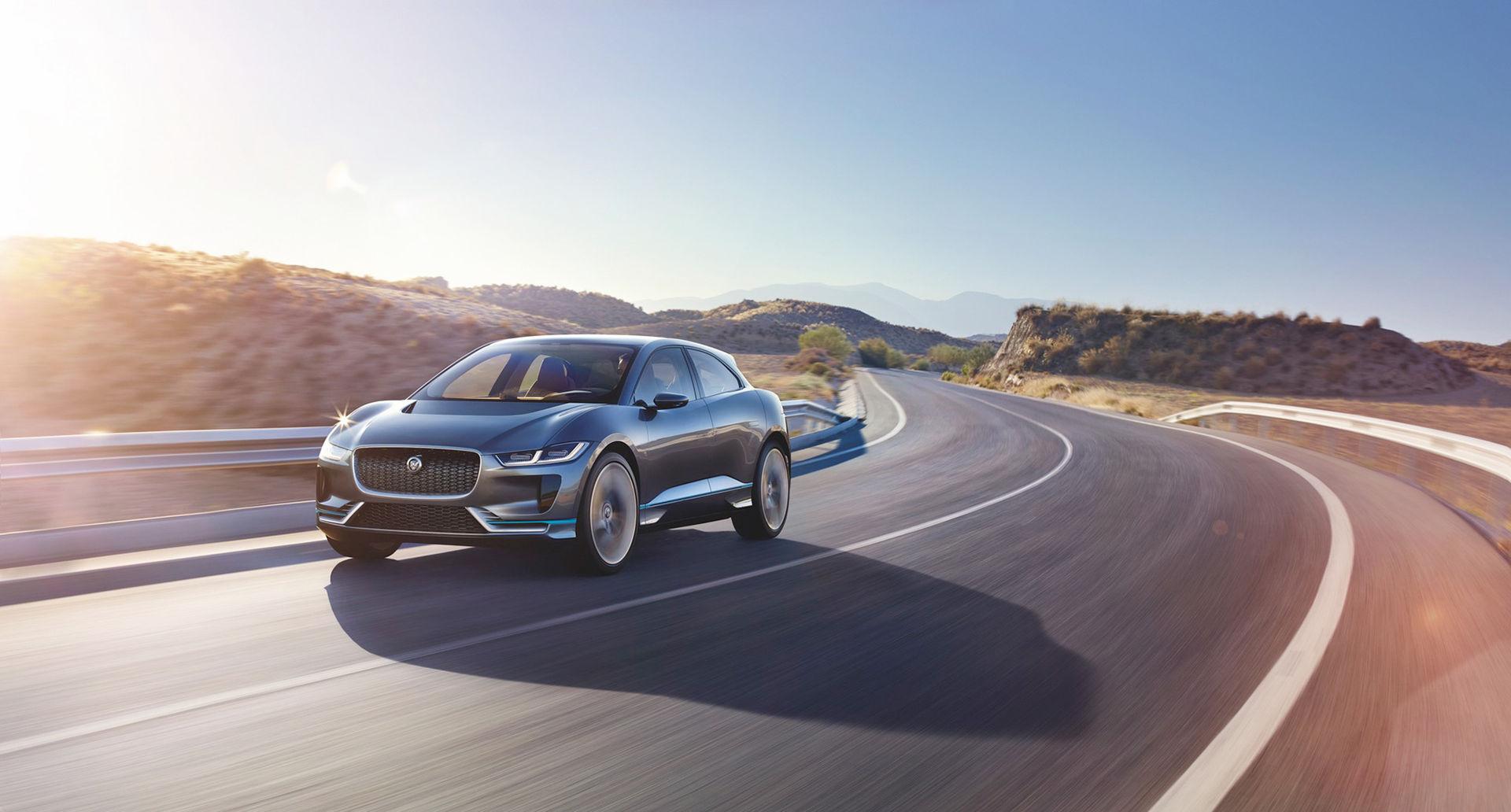 Jaguars eldrivna I-Pace i produktionskläder visas i mars