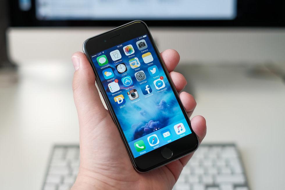 Apple bekräftar att man gör äldre iPhones långsammare