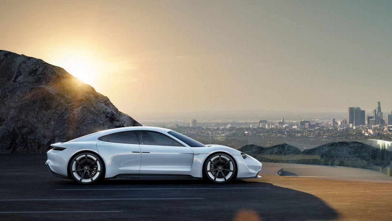 Porsche Mission E kommer med tre effektlägen