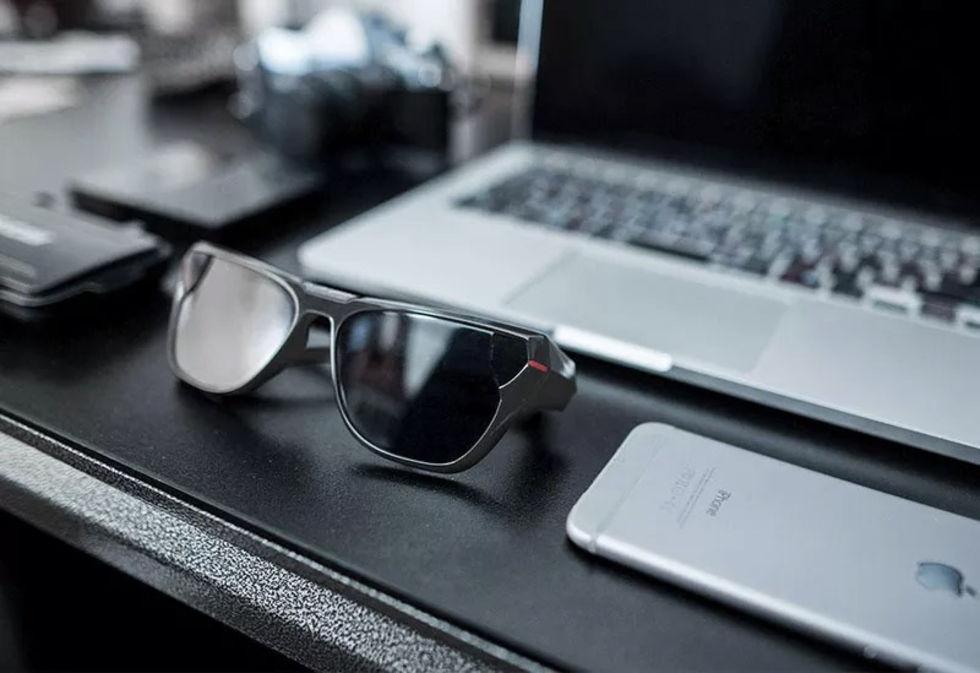 Solglasögon videofilmar ditt liv