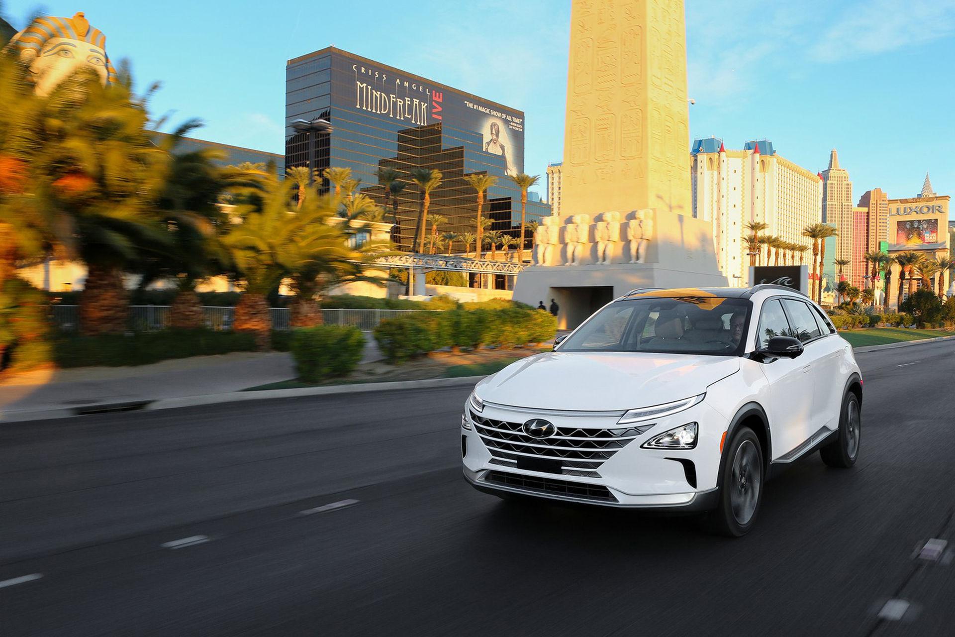 Hyundai visar bränslecellsdrivna Nexo