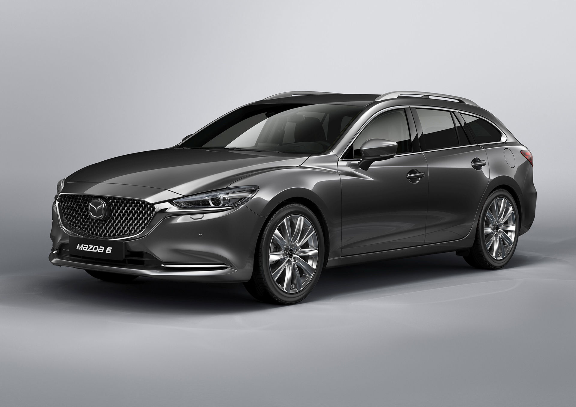 Faceliftade Mazda 6 i kombi-utförande