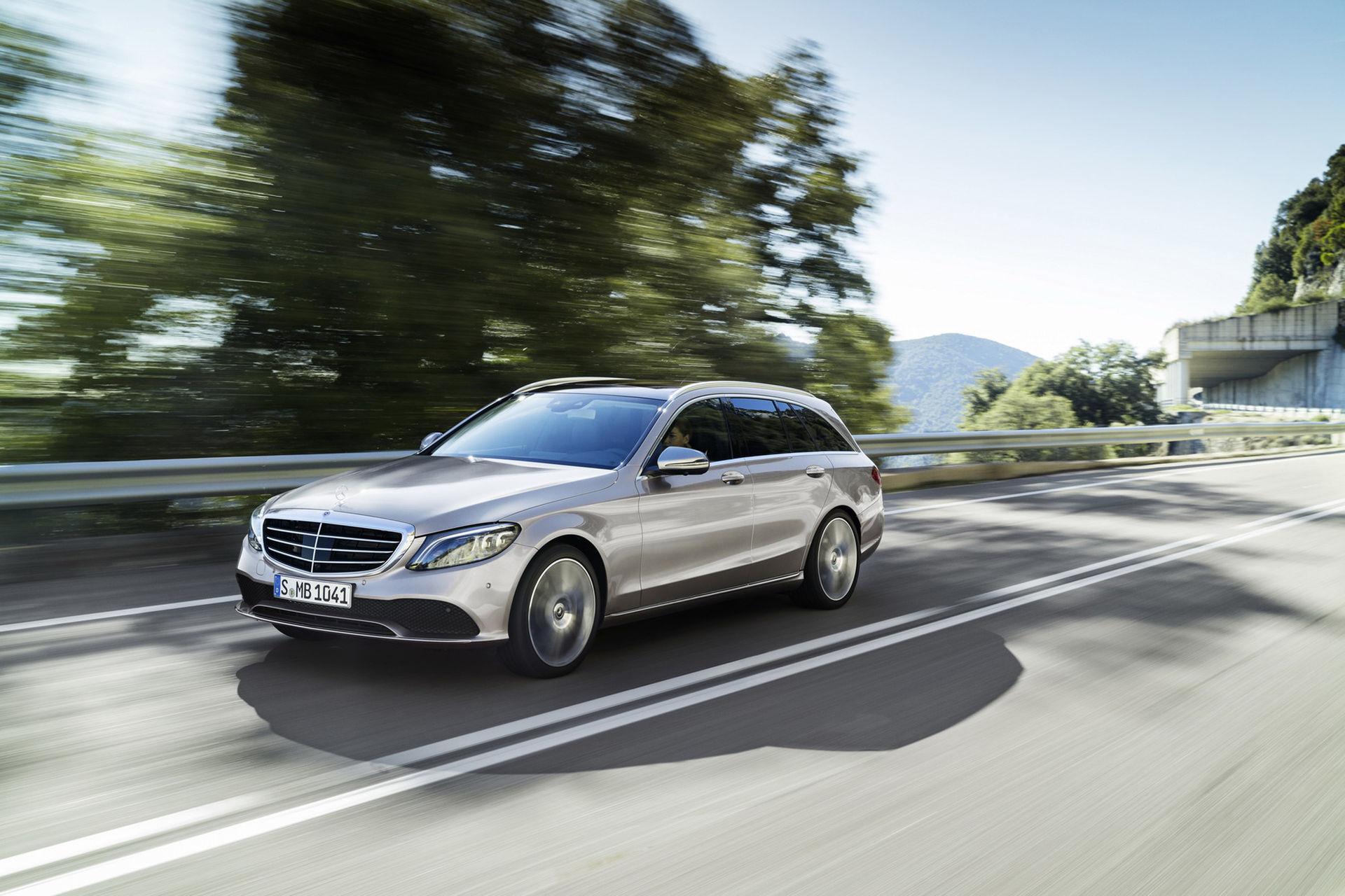 Mercedes lyfter C-Klass