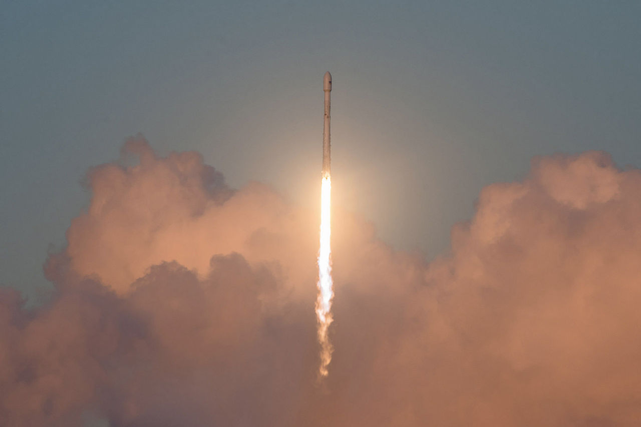 SpaceX börjar bygga rymdinternet i helgen