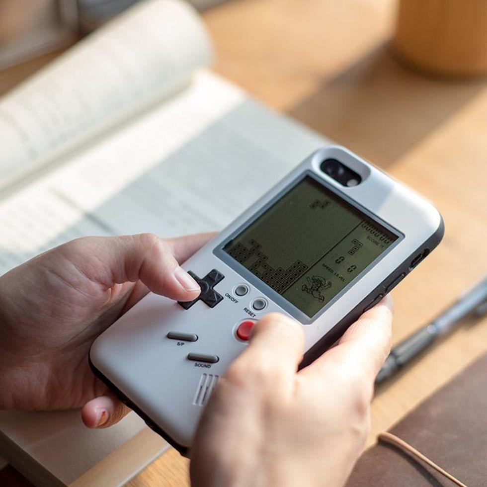 Mobilfodral gör om din iPhone till en Game Boy
