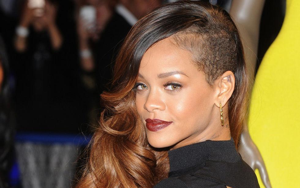 Rihanna kritiserar Snapchat för misshandels-annons