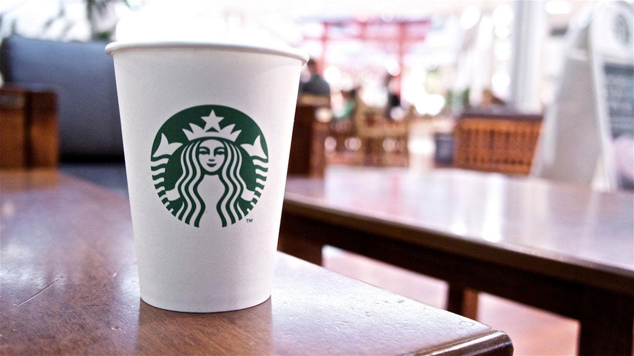 Starbucks muggar ska bli mer miljövänliga