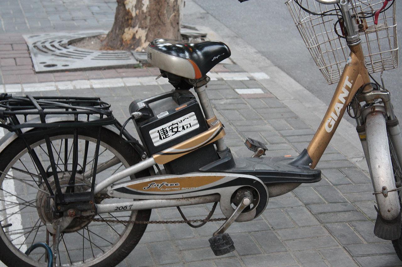 Trimmad elcykel gjorde 100 km/h