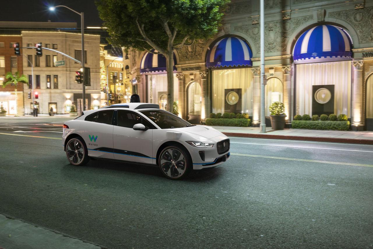Waymo gör Jaguar i-Pace självkörande