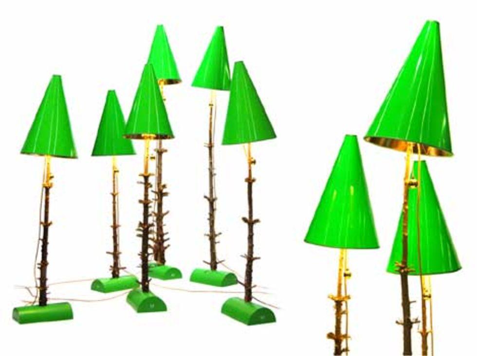 Övergivna julgranar inspirerade till lampa