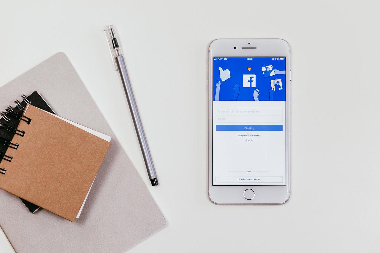 Facebook hojtar om Cambridge Analytica har din data