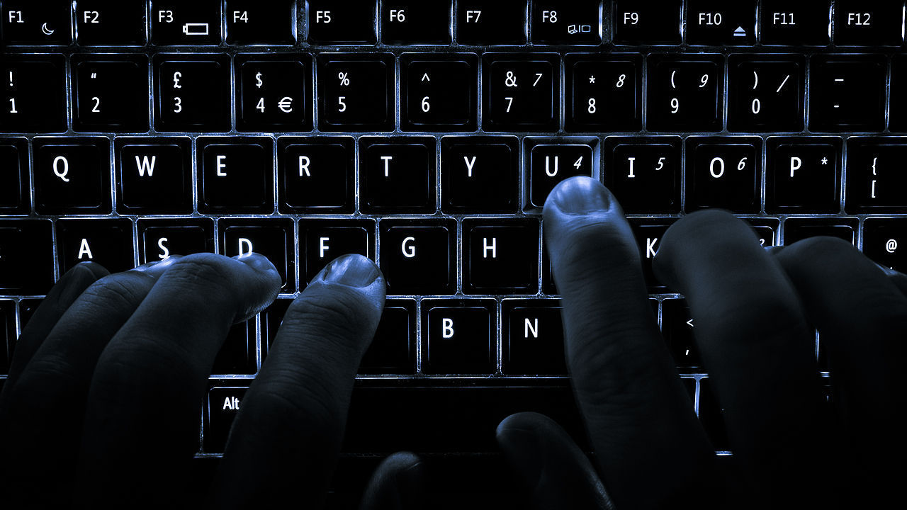 Man får tio års fängelse för virtuella våldtäkter