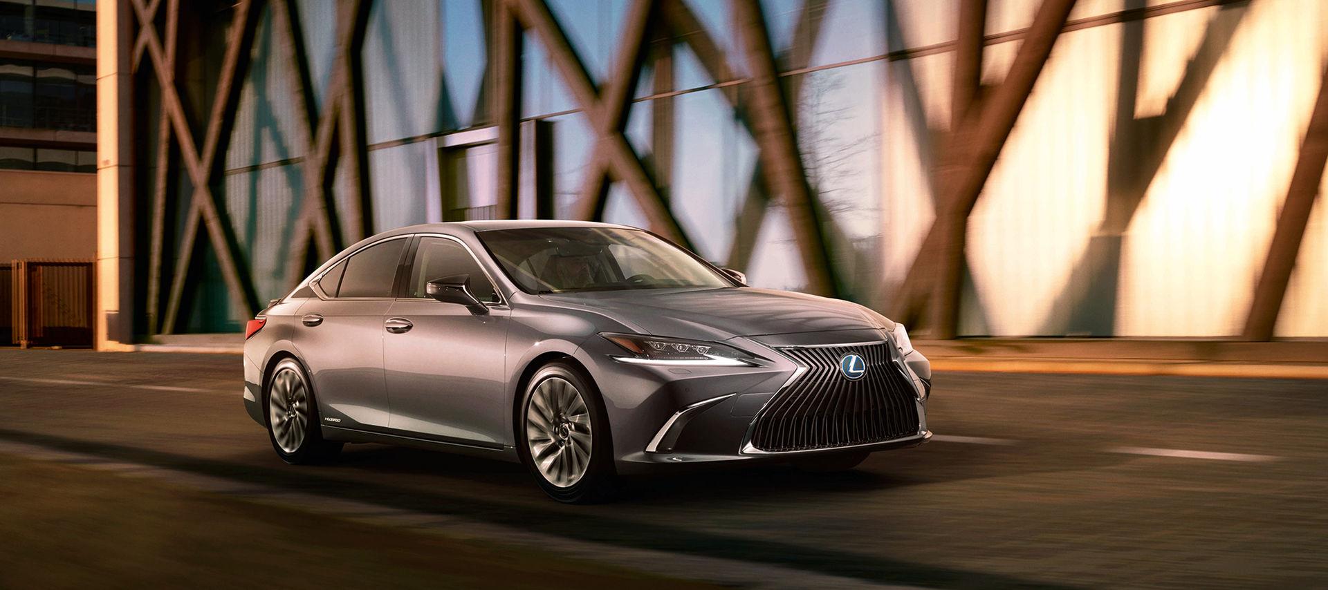 Lexus ger oss en förhandstitt på nya ES
