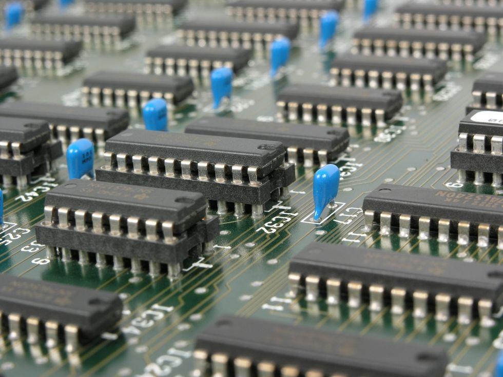 Facebook ryktas utveckla egna processorer