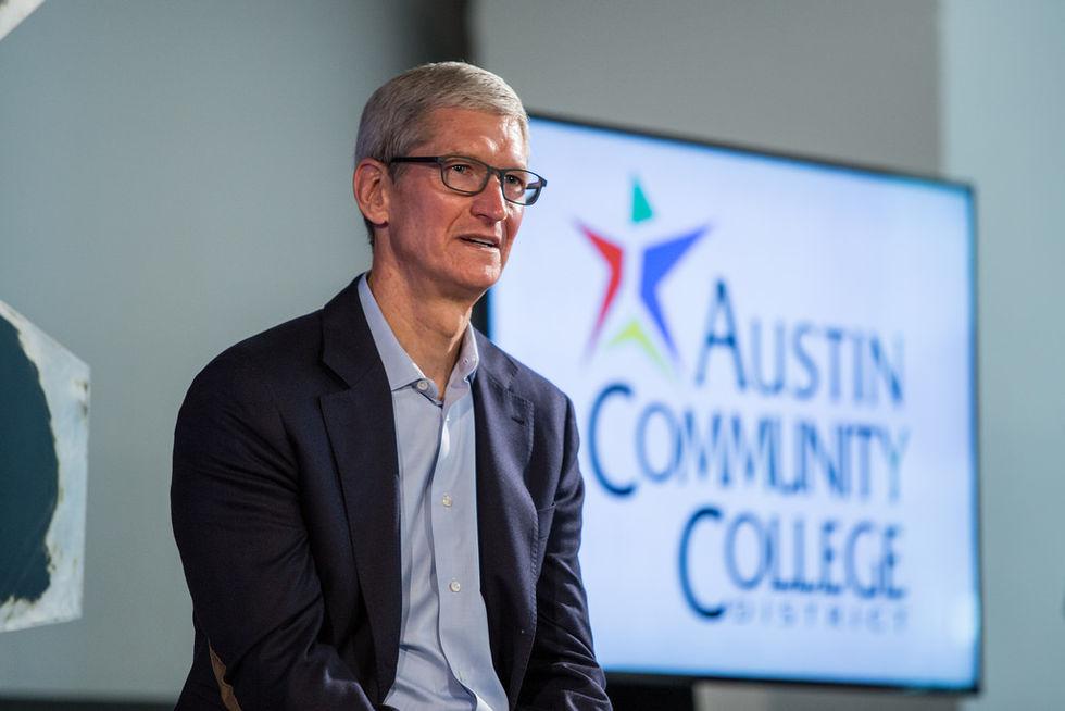 Tim Cook vill inte slå ihop Apples operativsystem