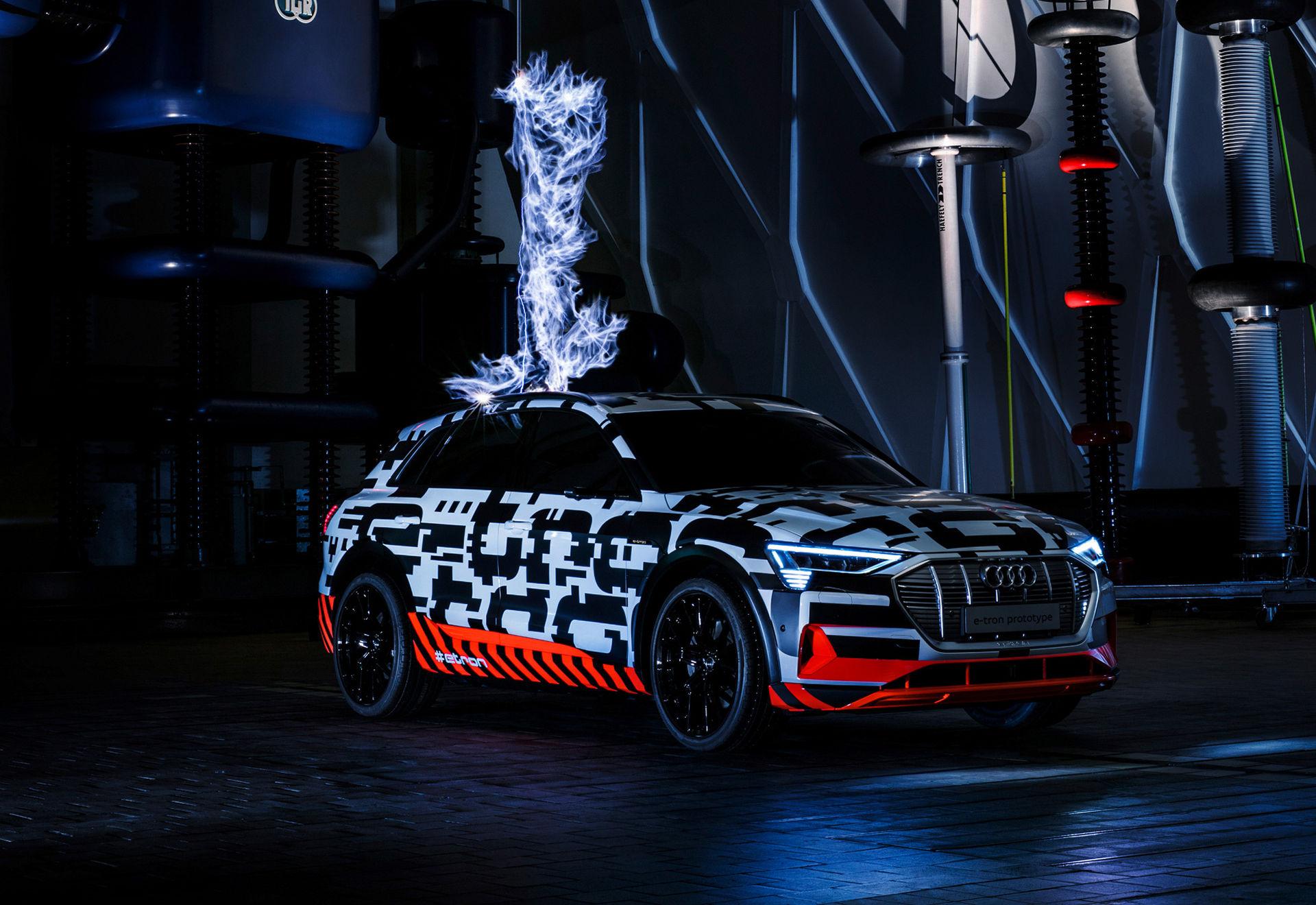 40 mil kommer man med Audis eldrivna SUV
