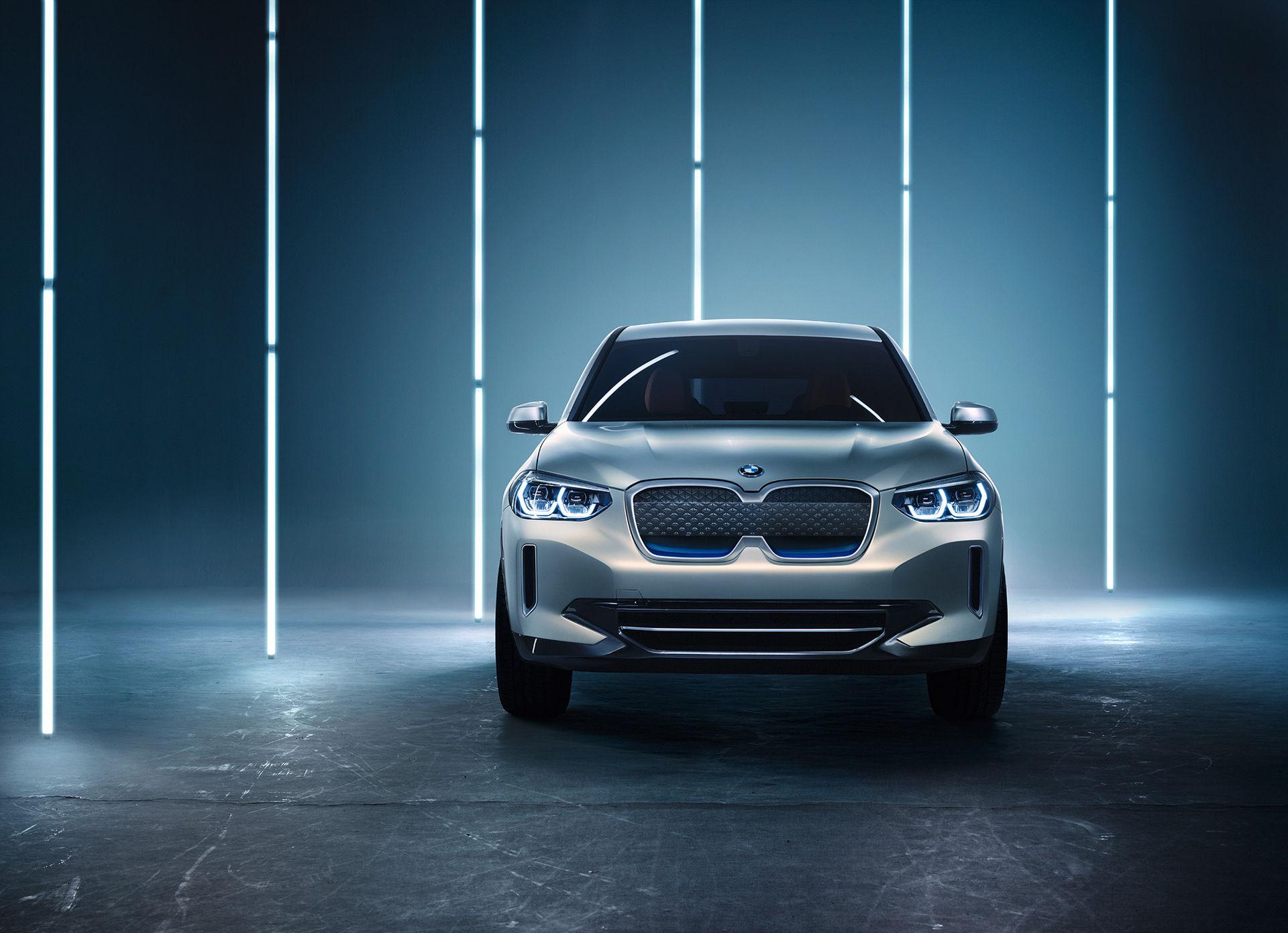 BMW presenterar eldrivna Concept iX3