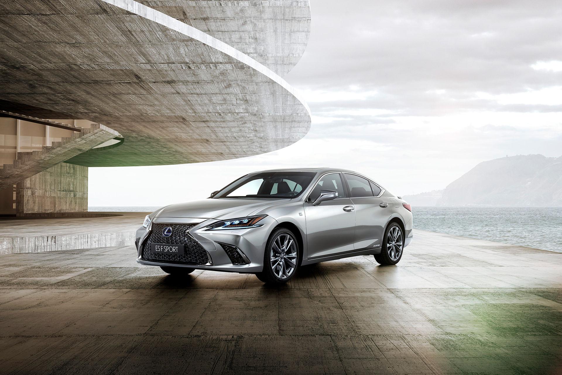 Lexus presenterar nya ES