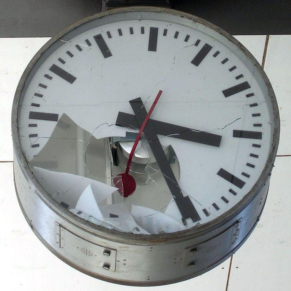 Brittiska skolor börjar plocka ner analoga klockor