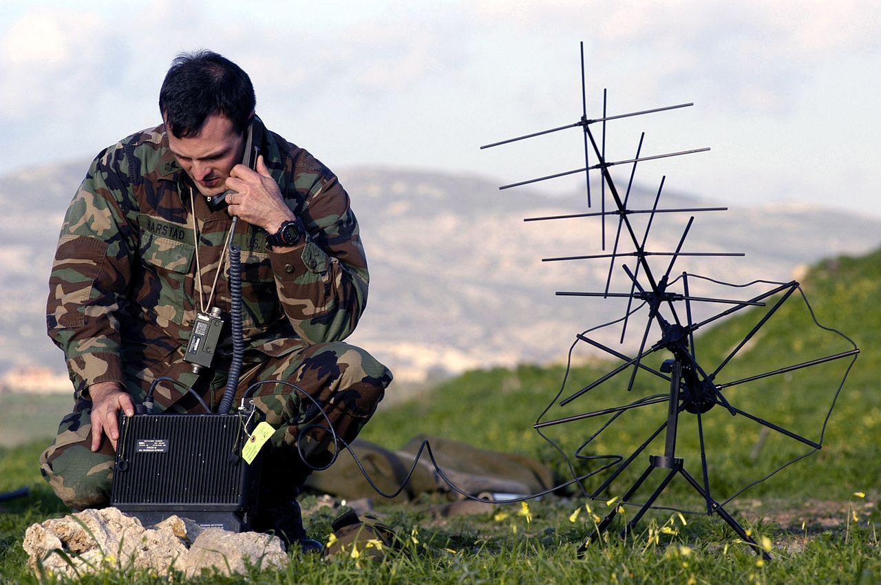 Pentagon förbjuder försäljning av ZTE och Huaweis telefoner på militärbaser