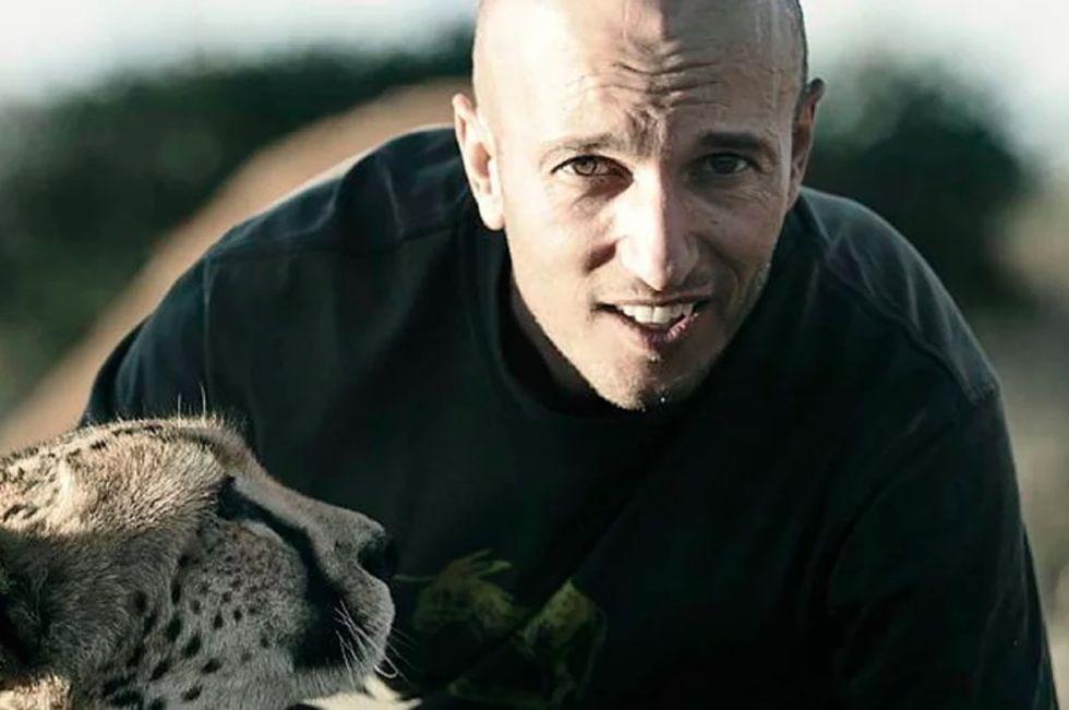 Filmregissör dödad av giraff