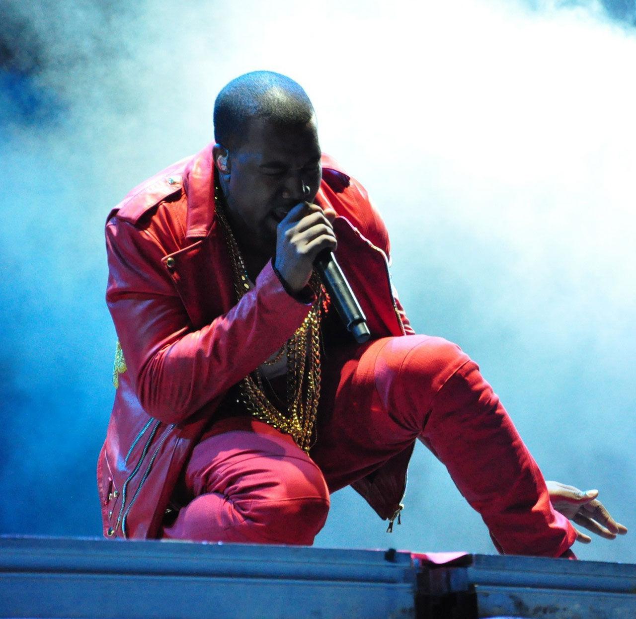 Kanye West börjar rita och designa hus