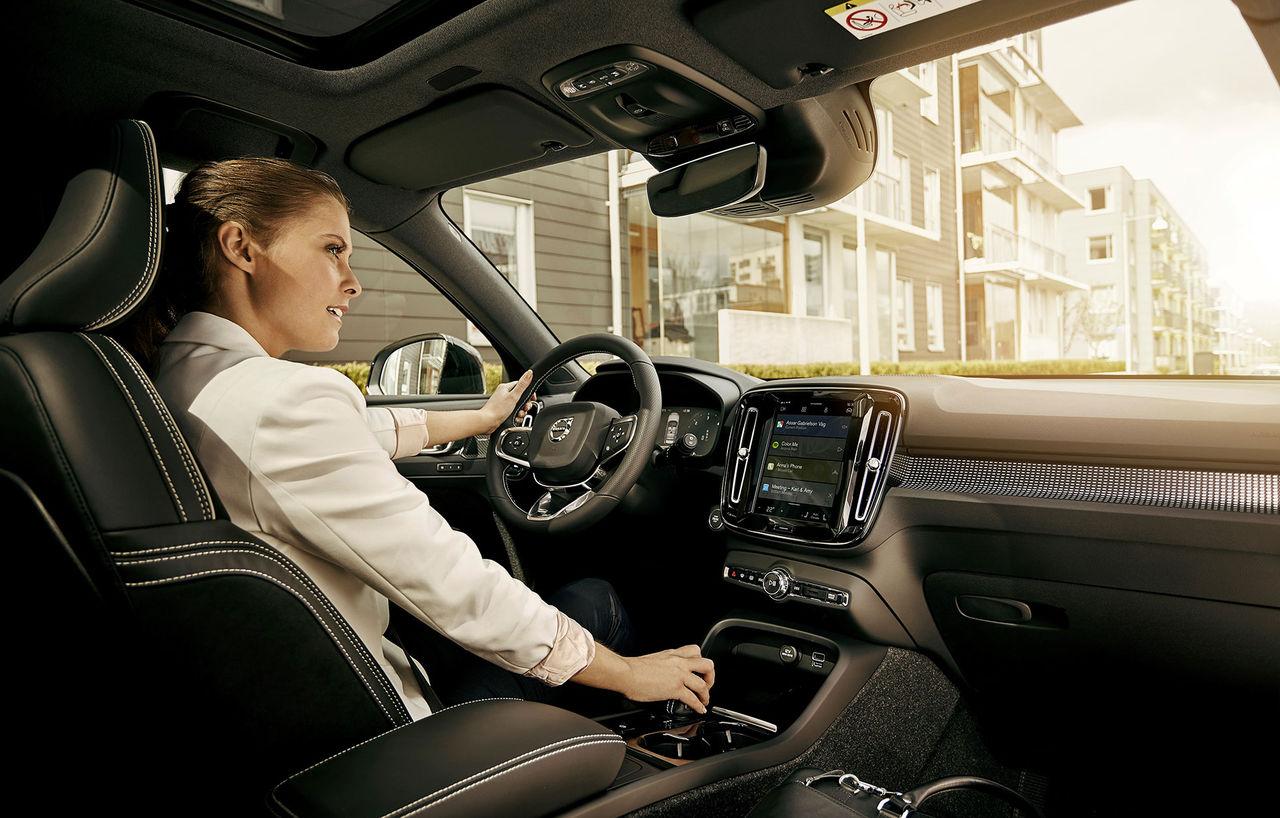 Framtidens Volvo-bilar får Google Assistant och Google Maps