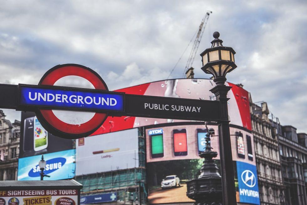 London vill förbjuda snabbmatsreklam i kollektivtrafiken